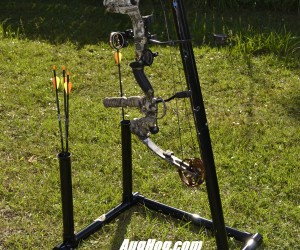 Portable Bow stand for compound crossbow aughog